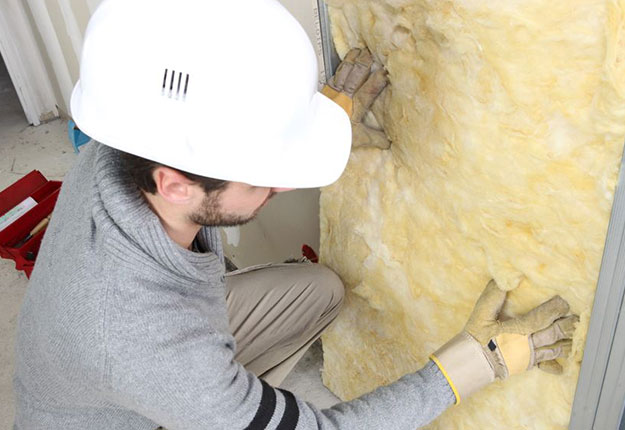 installing insulation helps air conditioning efficiency