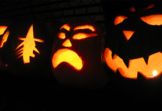 Jack O'Lanterns out for Halloween 2016 in Tracy CA