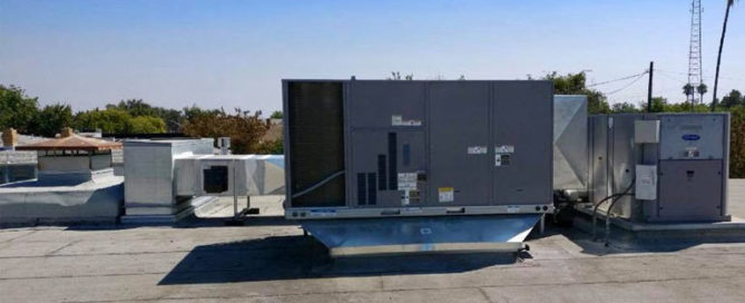 commercial air conditioner installed on the roof of commercial property in ceres